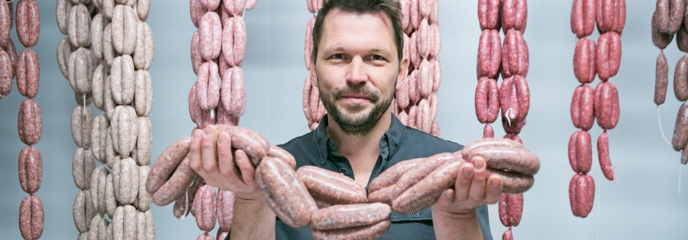jimmy doherty holding sausages